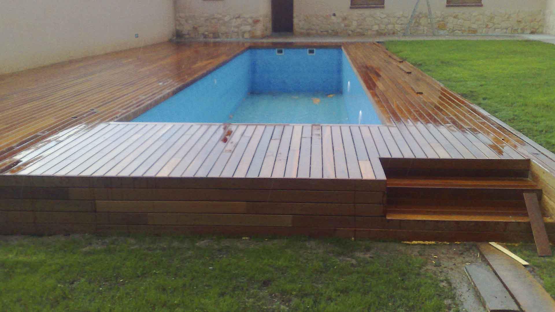 Construcción solado piscina Tarimas Naturales